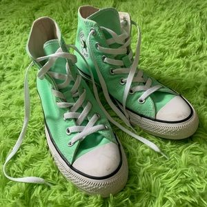 Aphid Green Converse Chuck Taylors Women's size 7